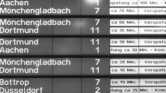 Chaos über Chaos: Auch die BUndesbahn hatte es, wie immer, nicht im Griff.