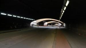 Loveparade-Tunnelblick (2): Fotos von Wut-Zetteln und Gedenkgaben