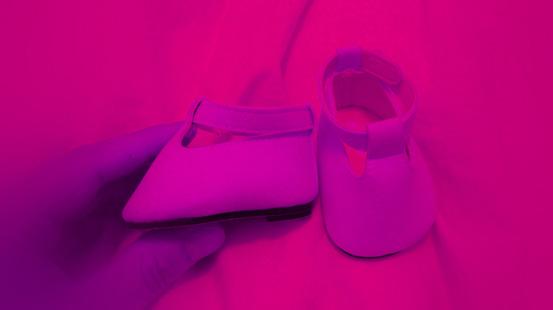 Wem gehören diese Schuhe?