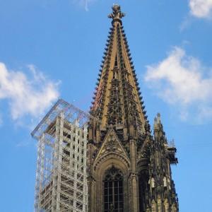 Kölner Dom: Kirchenarchitektur als Wegweiser zu Gott